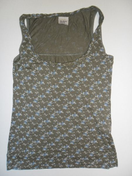 5e1de259ff2f Pull And Bear Green Floral Print Sleeveless Womens Top Tshirt Size S ...