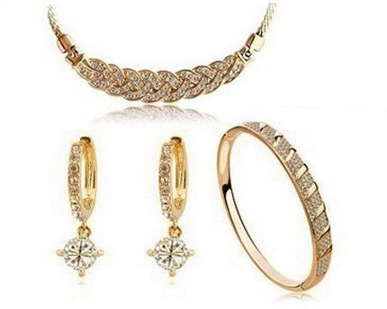 Sale on Jewelry sets at Vera Perla Aurora Ak Jewels UAE Souq