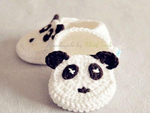 624bac2a4a4223 Crochet baby shoes newborn baby booties in Panda style (0-3month ...