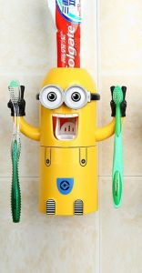 cute minions design set toothbrush holder automatic toothpaste dispenser with brush cup