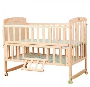 Souq wooden baby crib and mattress with wheels uae for Baby bed with wheels