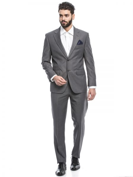 2 button suits can be found in all the latest styles at mensUSA. 2 button suits are the most popular style worn today and mensUSA has every style to meet all of your fashion needs. The 2 button business suit is a staple of the well dressed businessman of today.