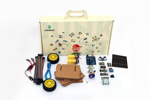 Souq junkbot make your own robots with free training uae