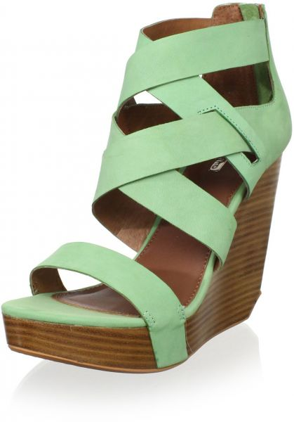 dc00d9e1efb1 Matiko Women s Stacey Strappy Wedge