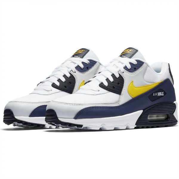 e7f9e3e9a2d20 Nike Air Max 90 Essential Sneaker for Men