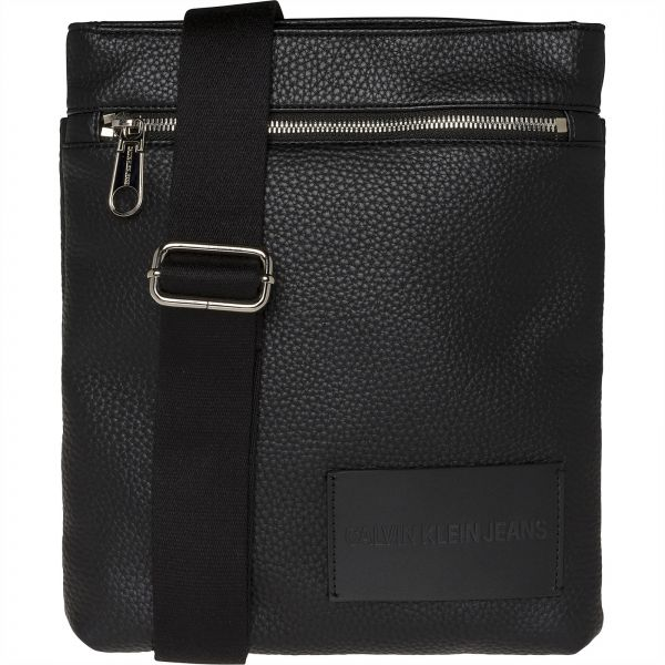 Calvin Klein Handbags  Buy Calvin Klein Handbags Online at Best ... 4ede6ad3e7bad