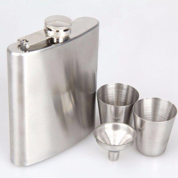 Portable Stainless Steel Luxury Hip Flask 7oz Embossed Flagon Wine Bottle Set Pocket Flask