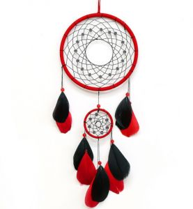 Feather Crafts Red And Black Dream Catcher Wind Chimes Handmade Indian Dreamcatcher Net For Wall Hanging Car Home Decor Ek