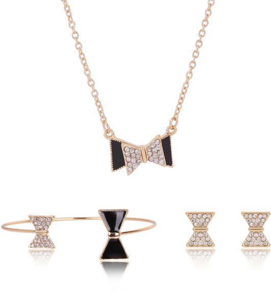 Gold Tone Crystal Embellished Bow Tie Charm Pendant Set For Women