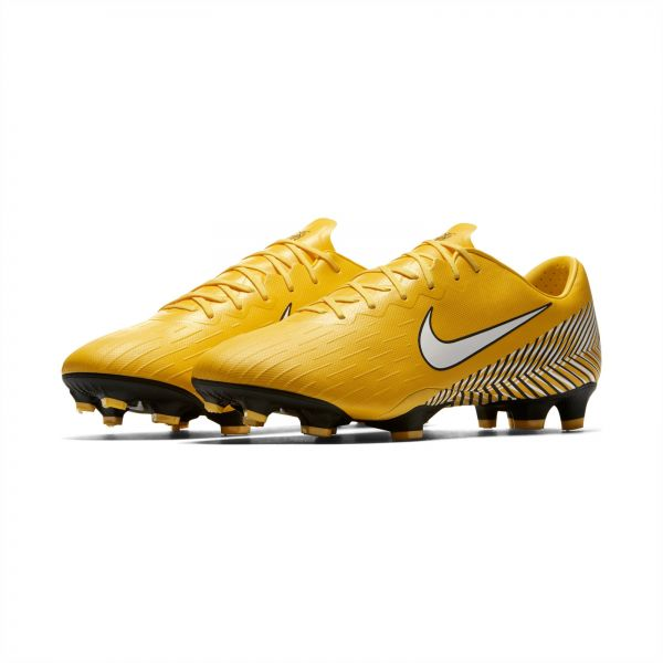 chaussure professional de football nike